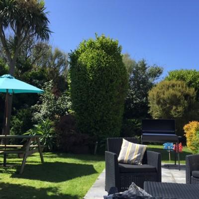 Sandilands garden, a dog friendly cottage in Cornwall