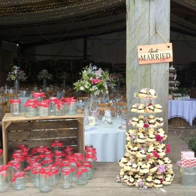 Miss V's wedding cakes