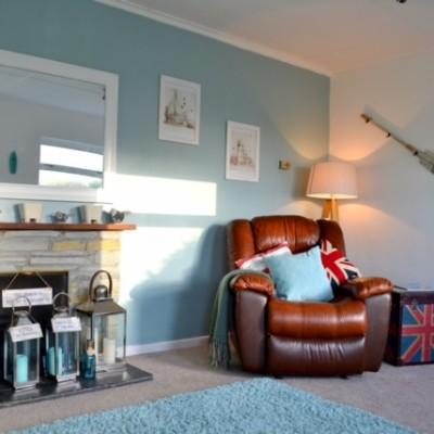 Sandylands lounge, a dog friendly cottage in Cornwall
