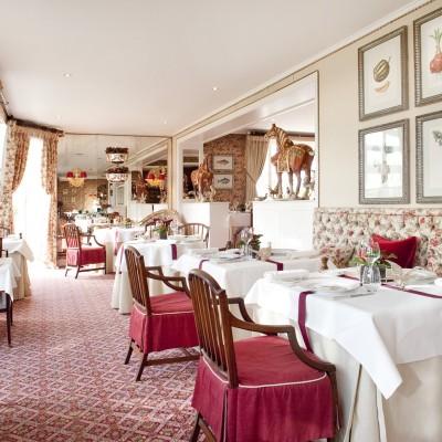 Restaurant - Summer Lodge Hotel