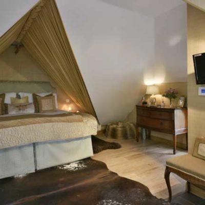 The Quantock Hide bedroom