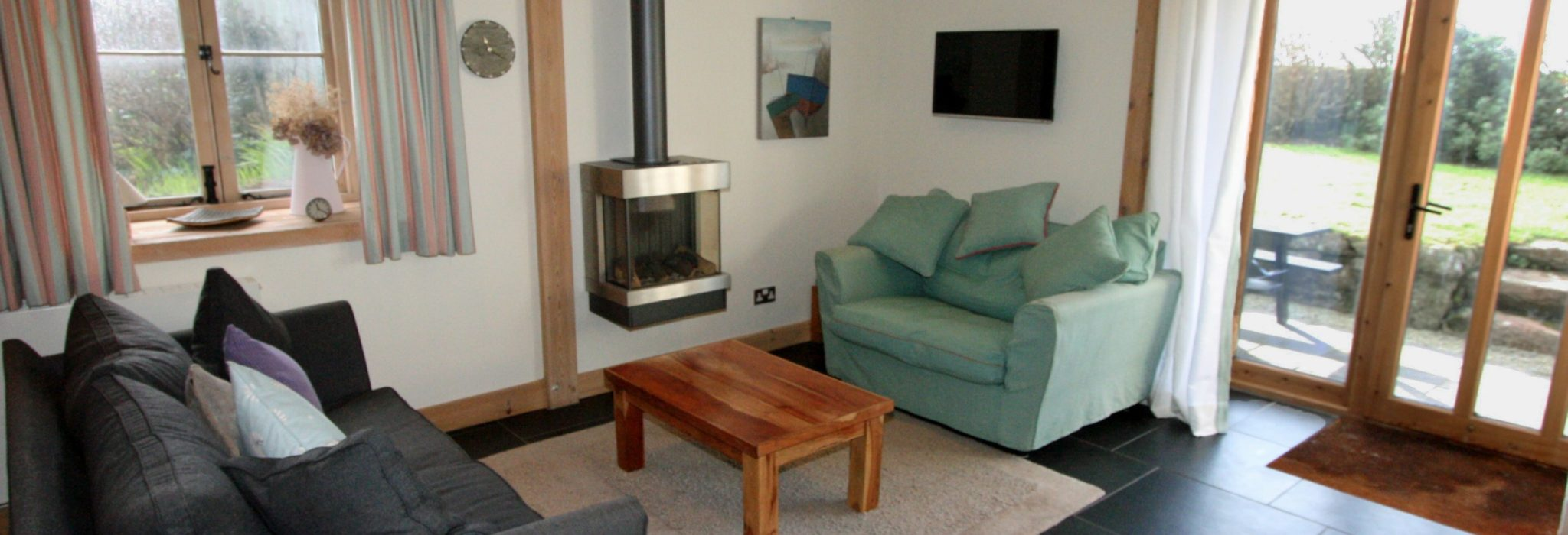 Highcliff Cottage living room - dog friendly cottage in Cornwall