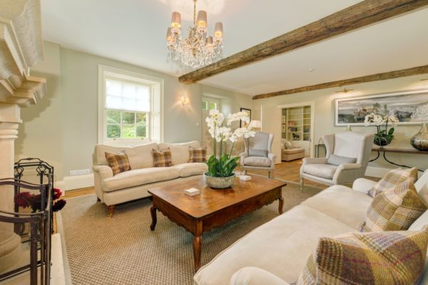 Week Farm living room