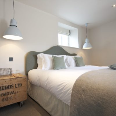 The Wheatsheaf Inn - luxury dog-friendly rooms in Gloucestershire